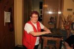 Billi unsere Schatzmeisterin bewacht die Schatztruhe.