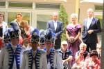 Unsere Garde im Rosengarten mit dem Ministerpräsidenten  der Rosenkönigin und unserem Bürgermeister.